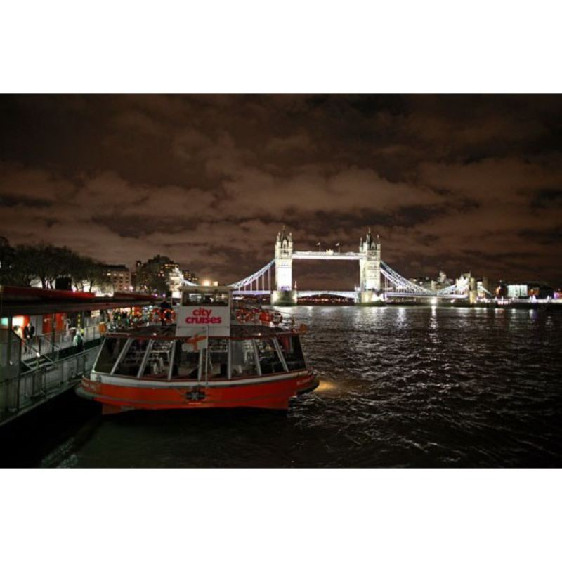 Thames Evening Cruise with Bubbly and Canapes for Two - Special Offer product image