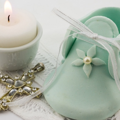4 tips to help you buy a great Christening gift for your Godchild
